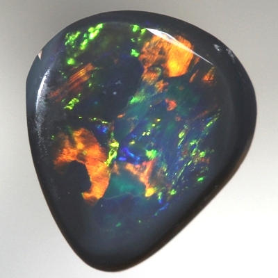 SOLID BLACK OPAL Bright and sparkling colour jumping always